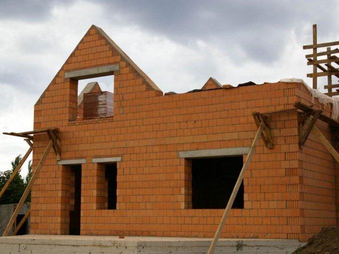 строительство дома из